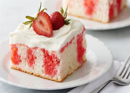 strawberry cake in Narwana